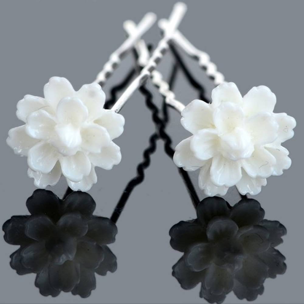 Izmael Vlásenka White Flower