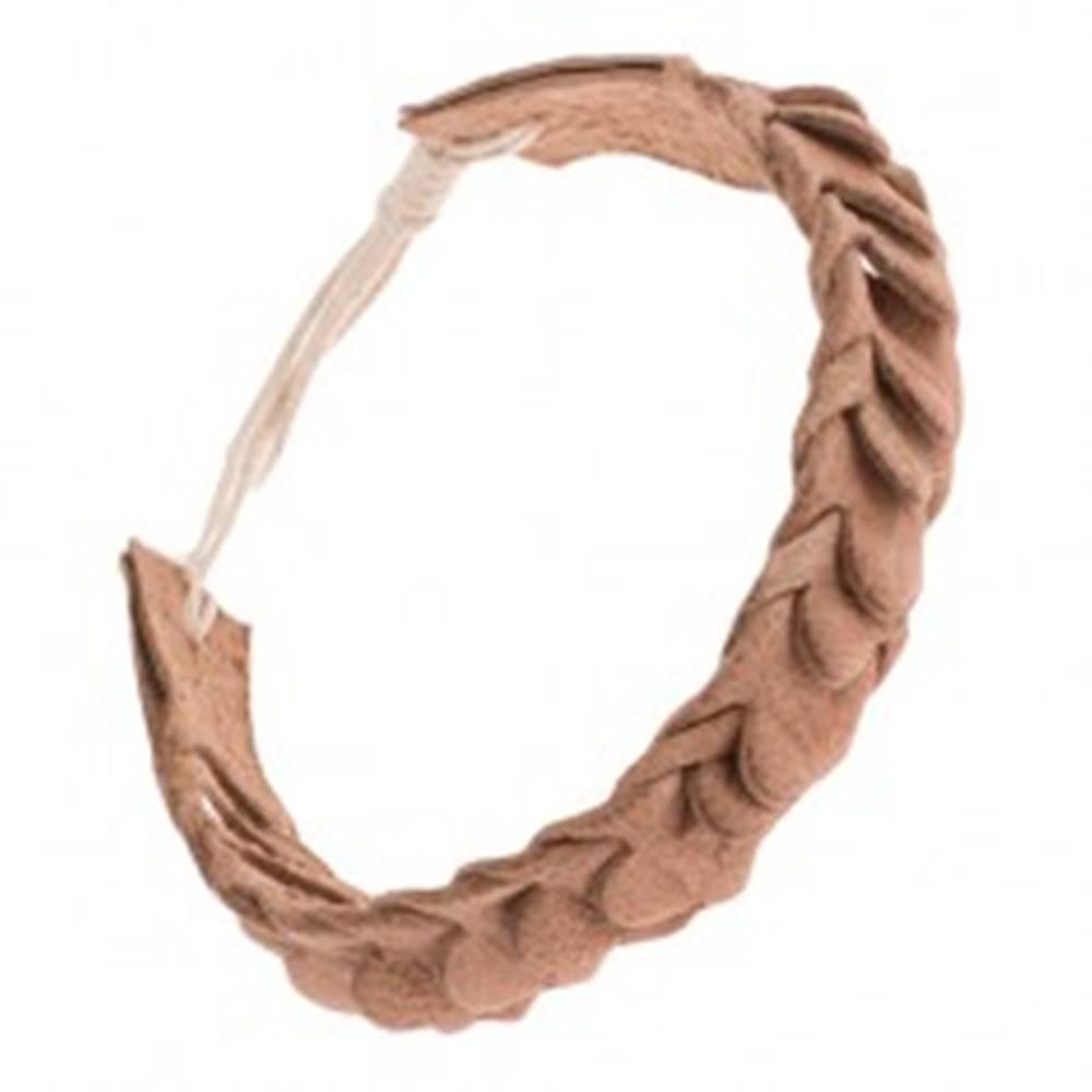 Šperky eshop Kožený náramok na ruku so šupinovým motívom - pletený, svetlohnedý