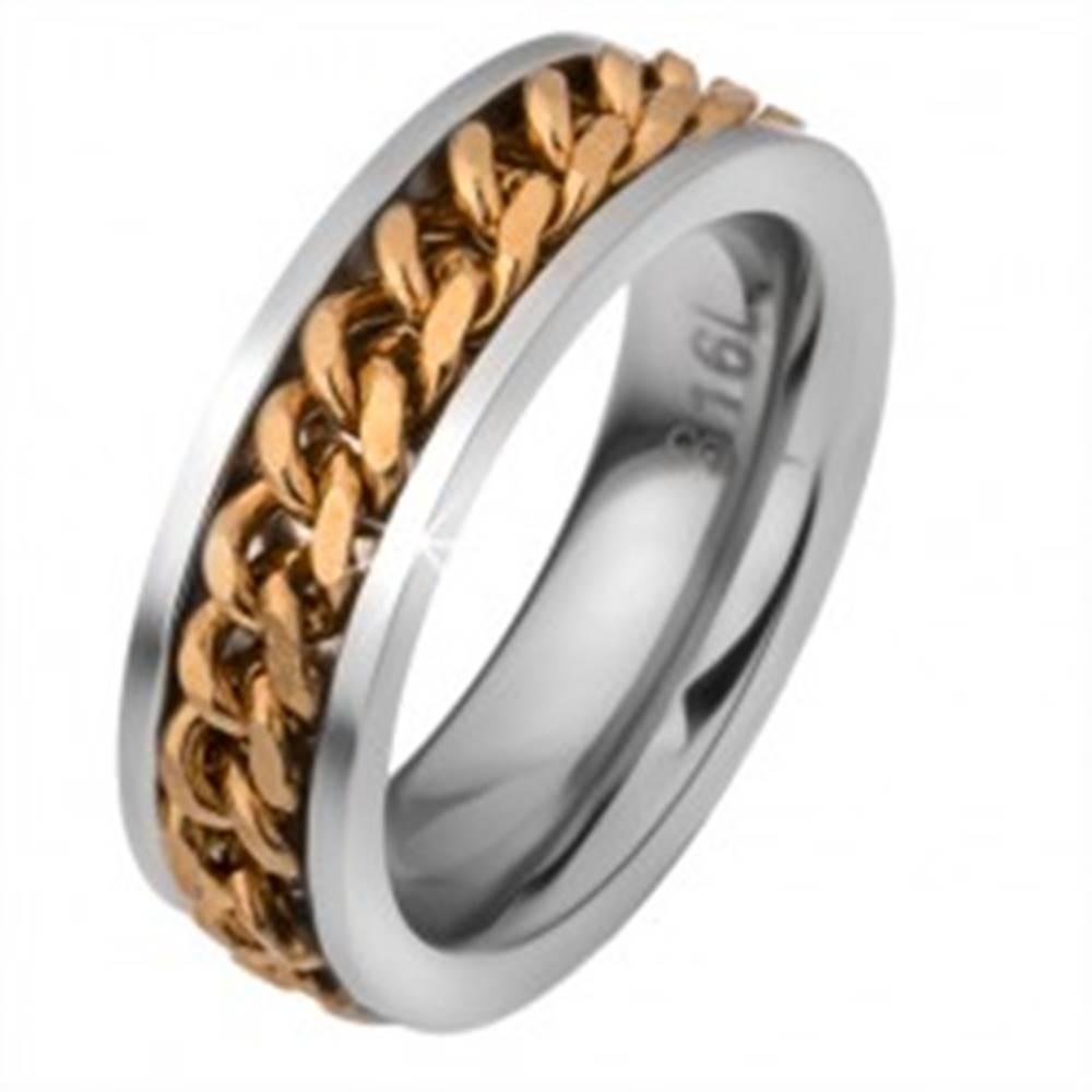 Šperky eshop Oceľová obrúčka s pohyblivou retiazkou zlatej farby - Veľkosť: 51 mm