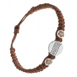 Gaštanovohnedý šnúrkový náramok, tri známky, grécky kľúč, kvietky
