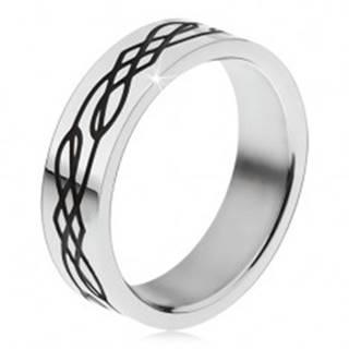 Oceľový prsteň, rovný povrch, čierna zvlnená línia a kosoštvorce - Veľkosť: 51 mm
