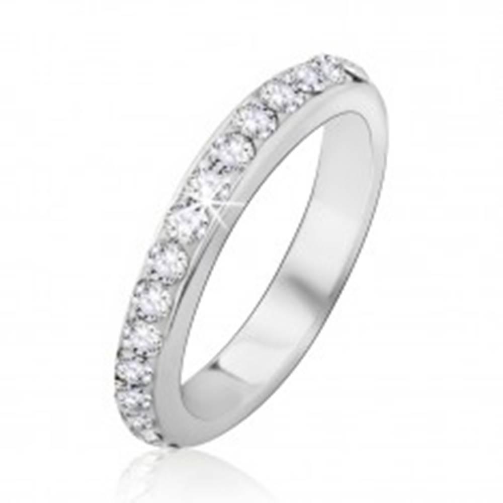 Šperky eshop Strieborný prsteň 925 so vsadenými čírymi kamienkami - Veľkosť: 48 mm