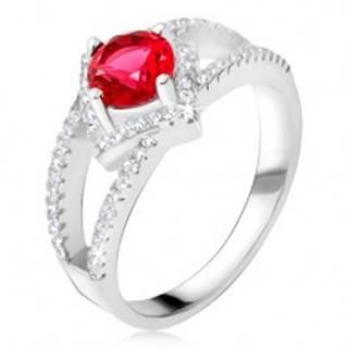 Prsteň s rozdvojenými ramenami, červený kameň, štvorec, striebro 925 - Veľkosť: 48 mm