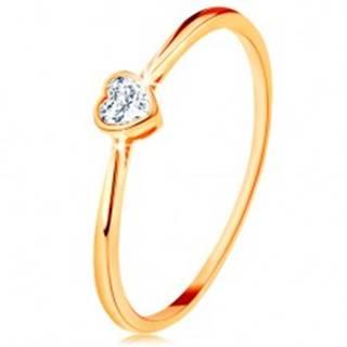 Lesklý zlatý prsteň 585 - číre zirkónové srdiečko s lesklým lemom - Veľkosť: 49 mm