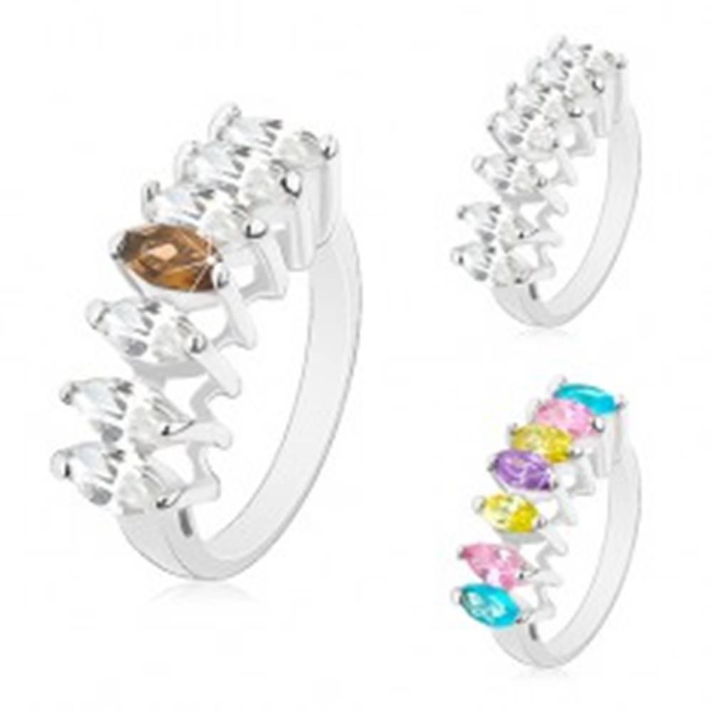 Šperky eshop Prsteň v striebornom odtieni, línia brúsených zrnkových zirkónov - Veľkosť: 49 mm, Farba: Mix