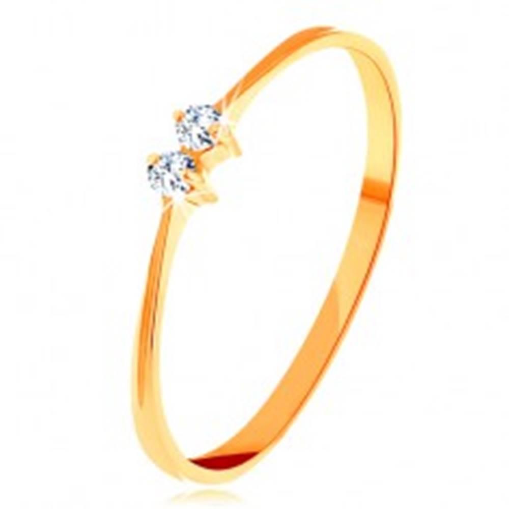 Šperky eshop Zlatý prsteň 585 - tenké lesklé ramená, dva žiarivé zirkóniky čírej farby - Veľkosť: 50 mm