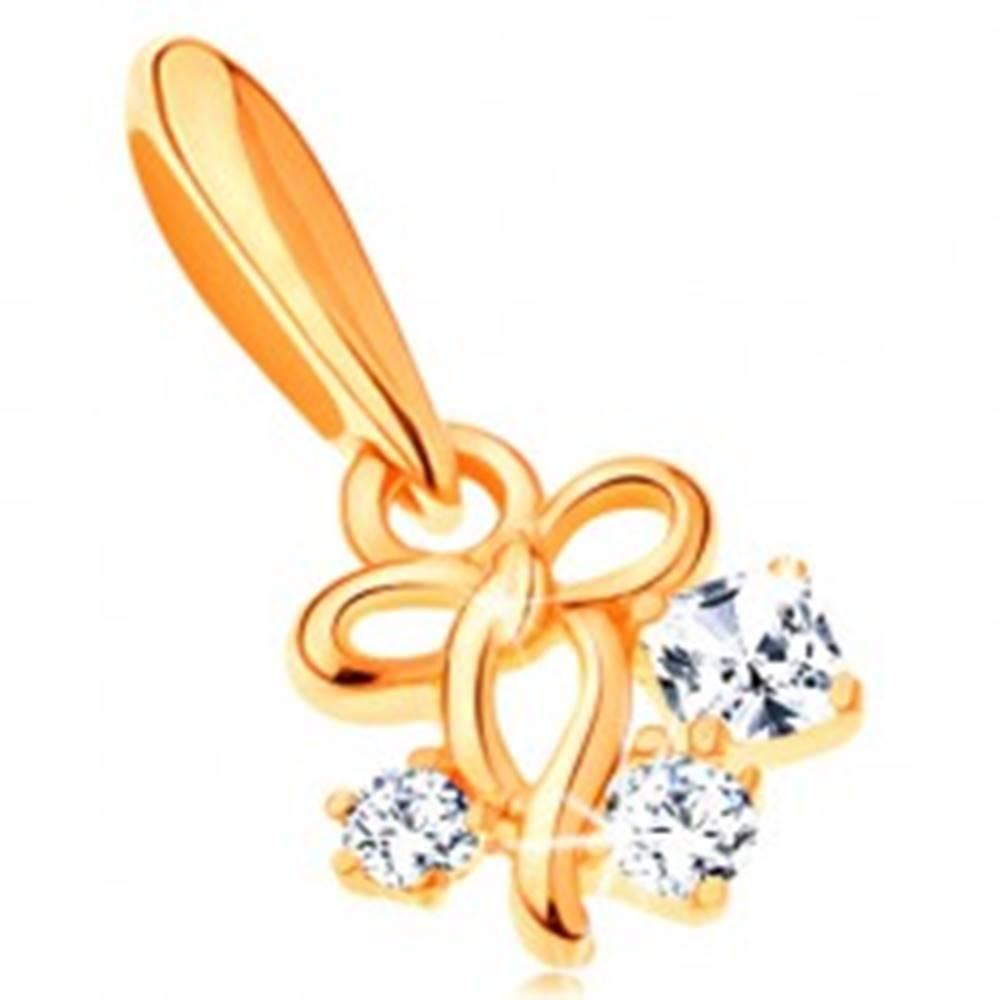 Šperky eshop Prívesok v žltom 14K zlate - tenká lesklá mašlička a tri zirkóny čírej farby