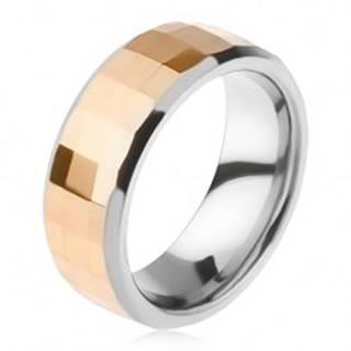 Volfrámový prsteň - dvojfarebný, geometricky brúsený pás zlatej farby - Veľkosť: 49 mm