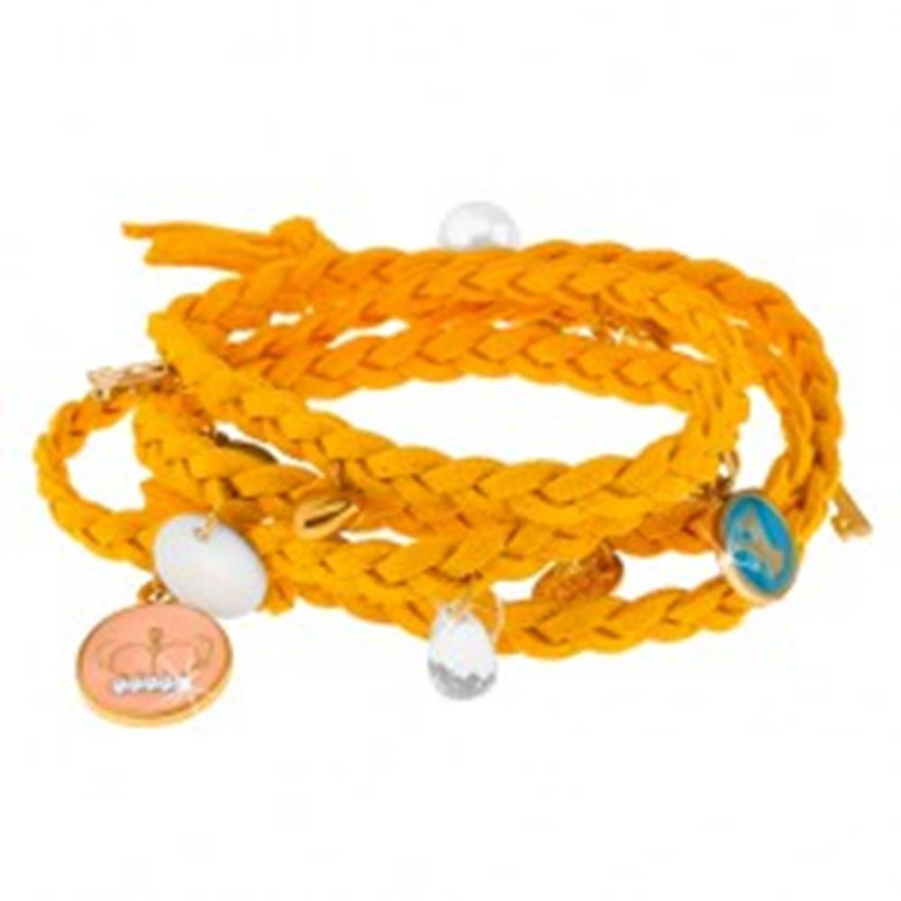 Šperky eshop Pletený náramok žltej farby, drobné prívesky rôznych tvarov a farieb