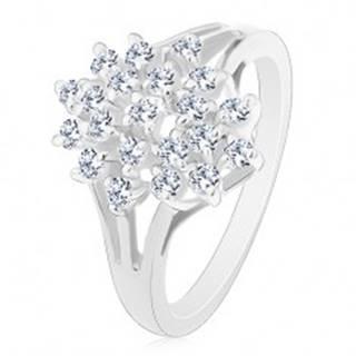 Lesklý prsteň - strieborná farba, rozvetvené ramená, číre okrúhle zirkóny - Veľkosť: 48 mm
