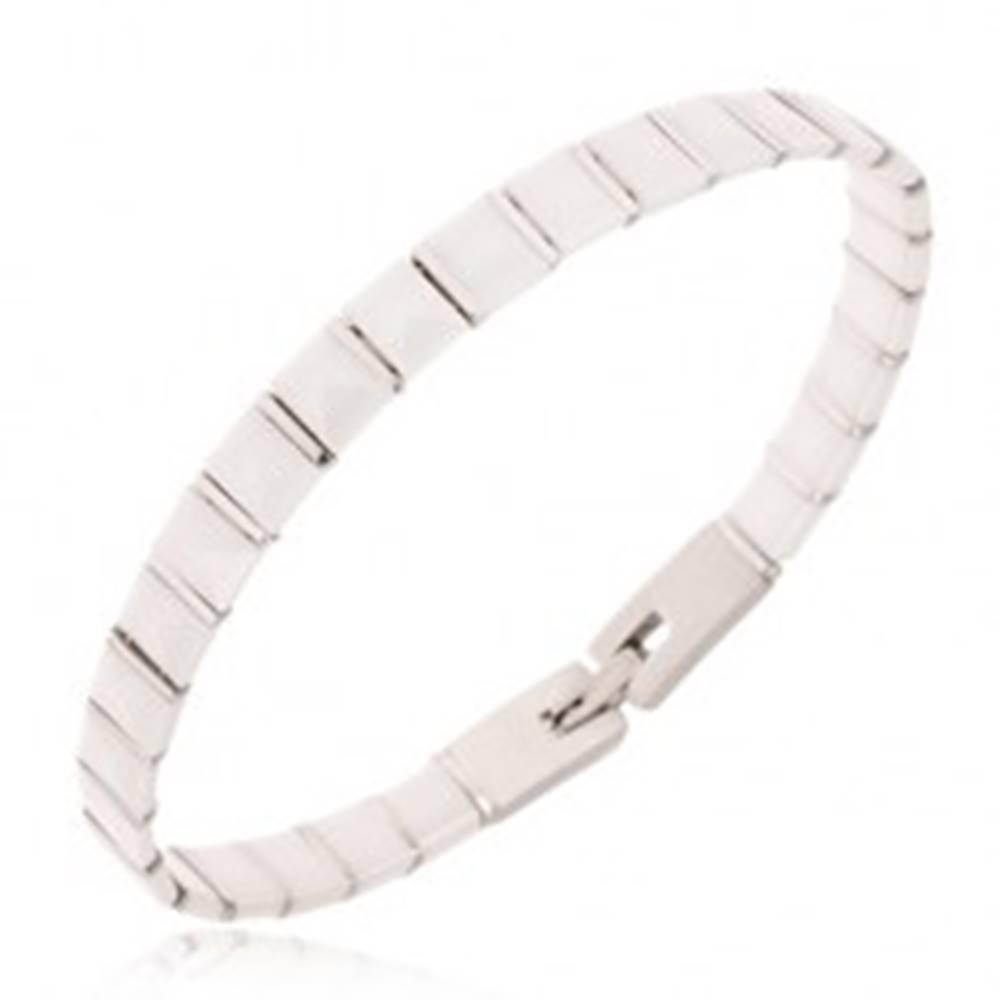 Šperky eshop Náramok z bielych keramických pyramídových článkov, oceľové pásiky