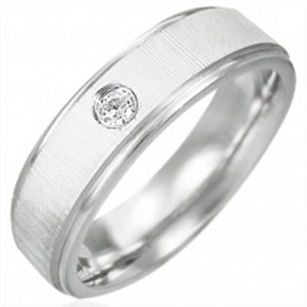 Šperky eshop Obrúčka z chirurgickej ocele so saténovým pásom a čírym zirkónom - Veľkosť: 52 mm