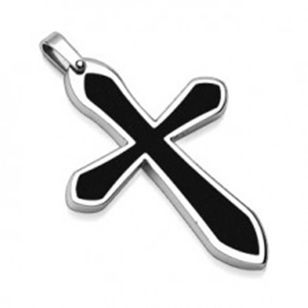Šperky eshop Prívesok z ocele v tvare kríža s čiernou výplňou