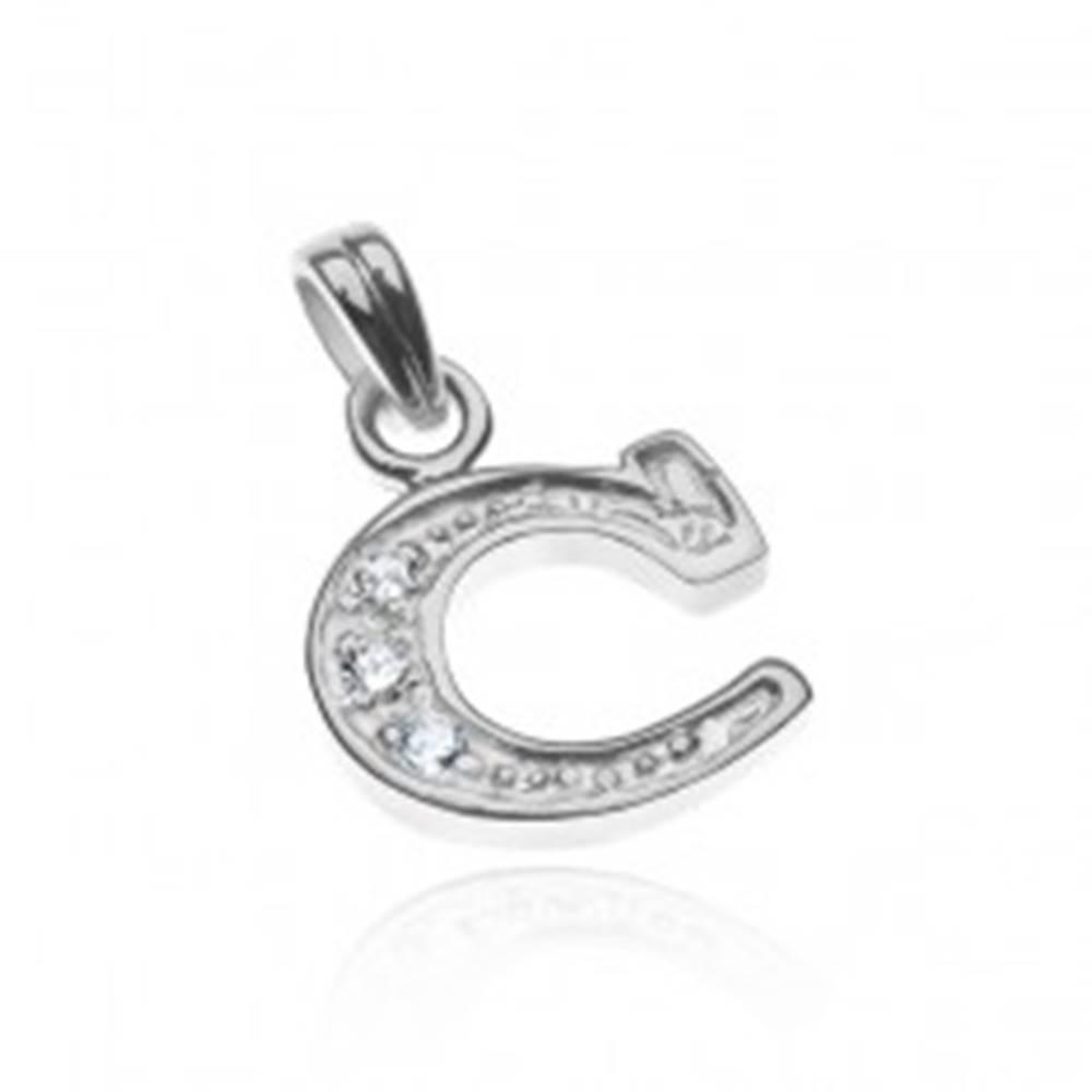 Šperky eshop Prívesok zo striebra 925 - tvar tlačeného C, zirkóny v oblúčiku