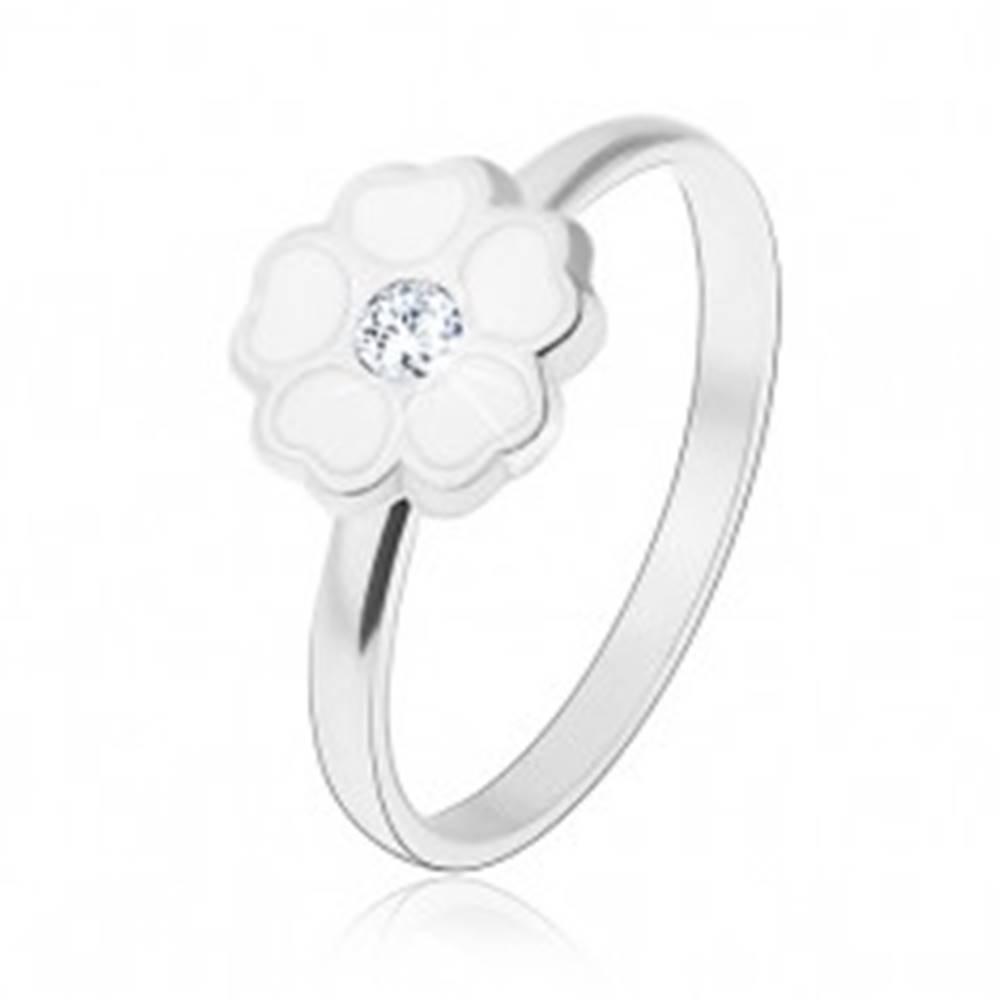 Šperky eshop Prsteň zo striebra 925, biely glazúrovaný kvietok - srdiečkové lupene, zirkón - Veľkosť: 45 mm
