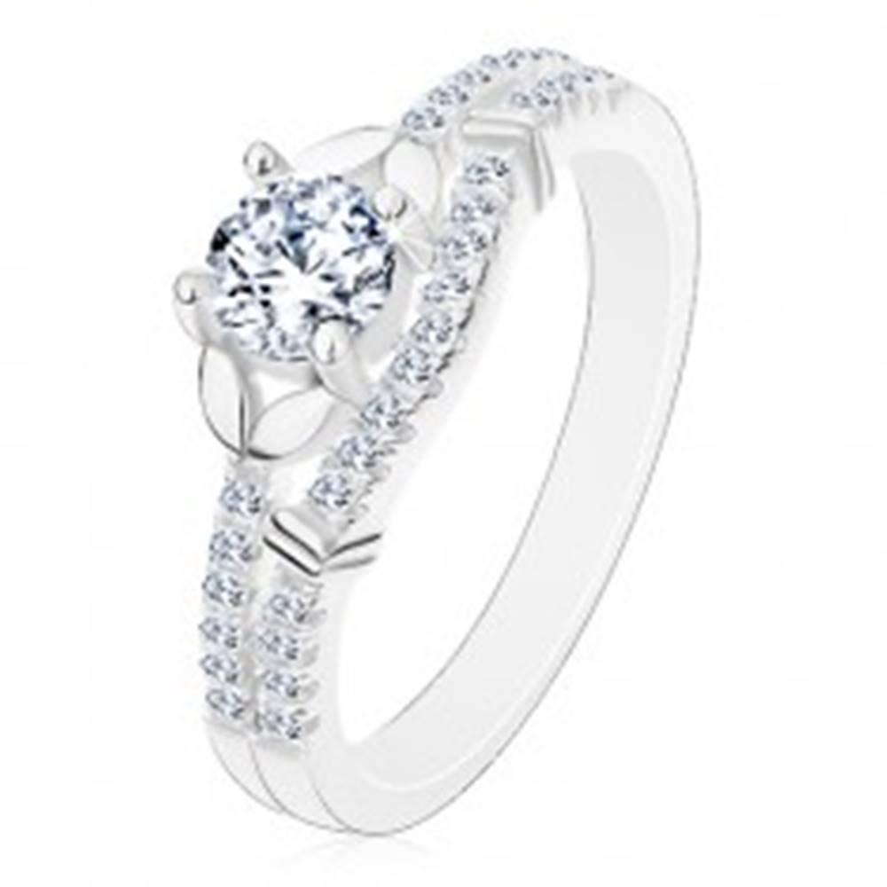 Šperky eshop Strieborný 925 prsteň, číry zirkón, dvojice lístočkov a línia drobných zirkónikov - Veľkosť: 50 mm