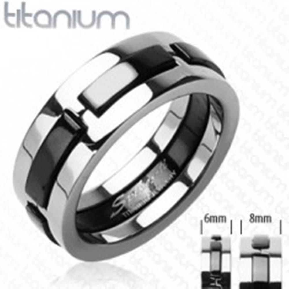 Titánový prsteň s čiernymi ...