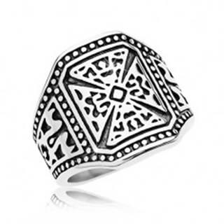 Mohutný prsteň striebornej farby, oceľ 316L, maltézsky kríž, zdobené ramená - Veľkosť: 58 mm