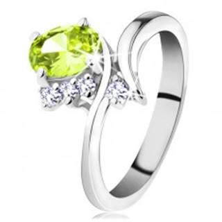 Prsteň so zahnutými ramenami, brúsené zirkóny vo svetlozelenej a čírej farbe - Veľkosť: 48 mm