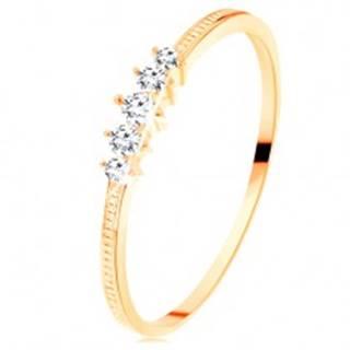 Zlatý prsteň 585 - pás trblietavých čírych zirkónikov, vrúbkované ramená - Veľkosť: 50 mm