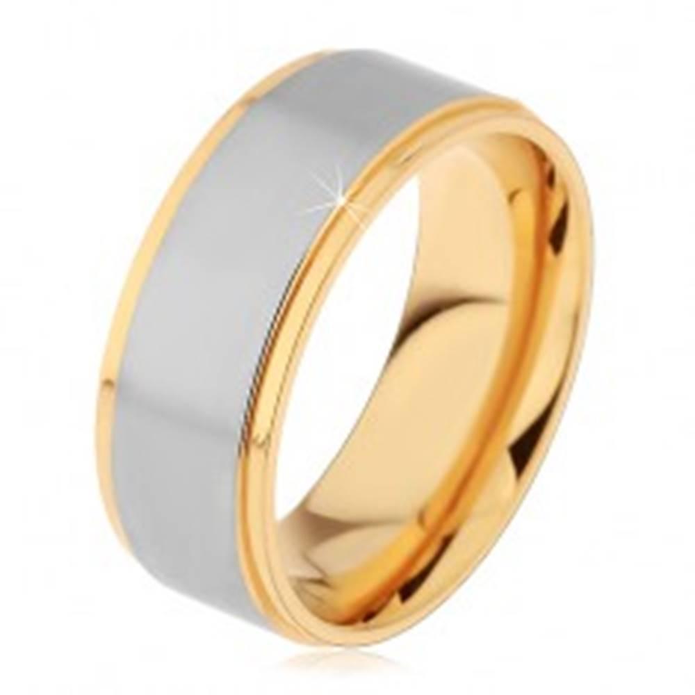 Šperky eshop Lesklý oceľový prsteň strieborno-zlatej farby s dvomi zárezmi - Veľkosť: 57 mm