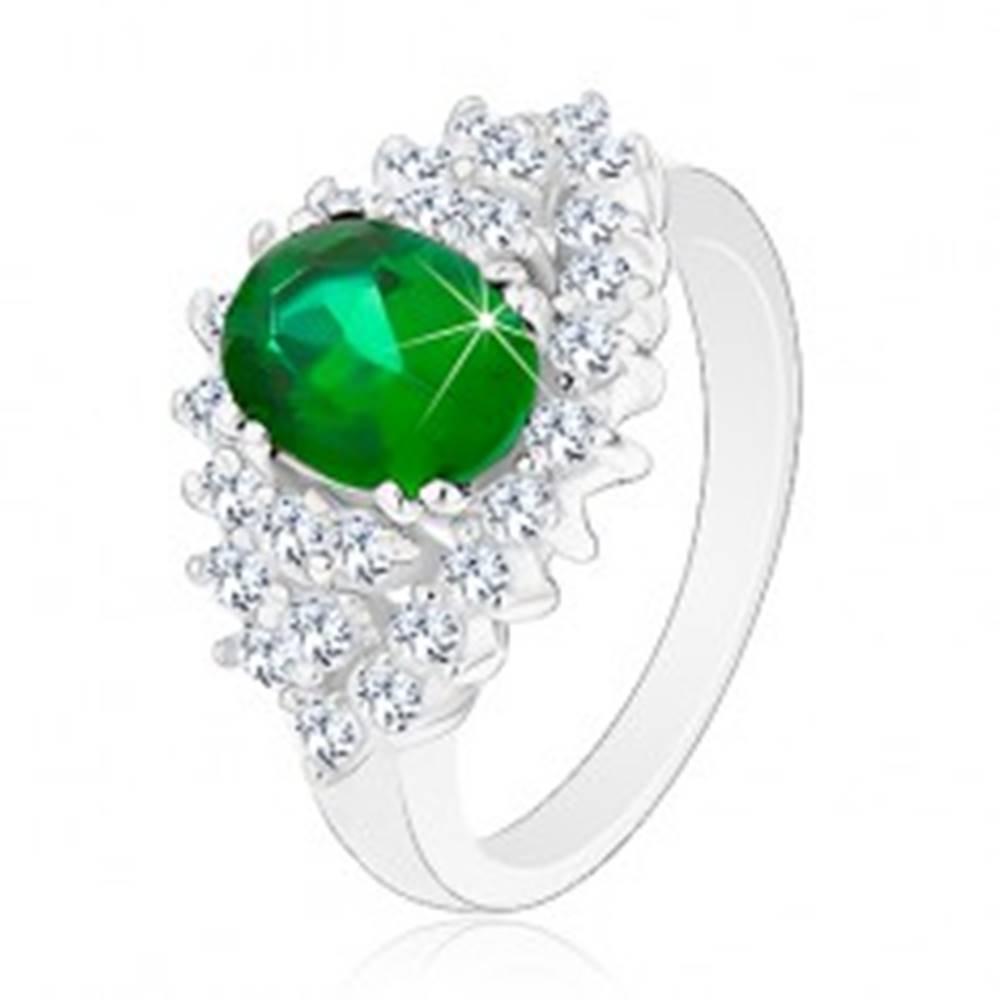 Šperky eshop Lesklý prsteň v striebornom odtieni, brúsené číre zirkóniky, tmavozelený ovál - Veľkosť: 48 mm