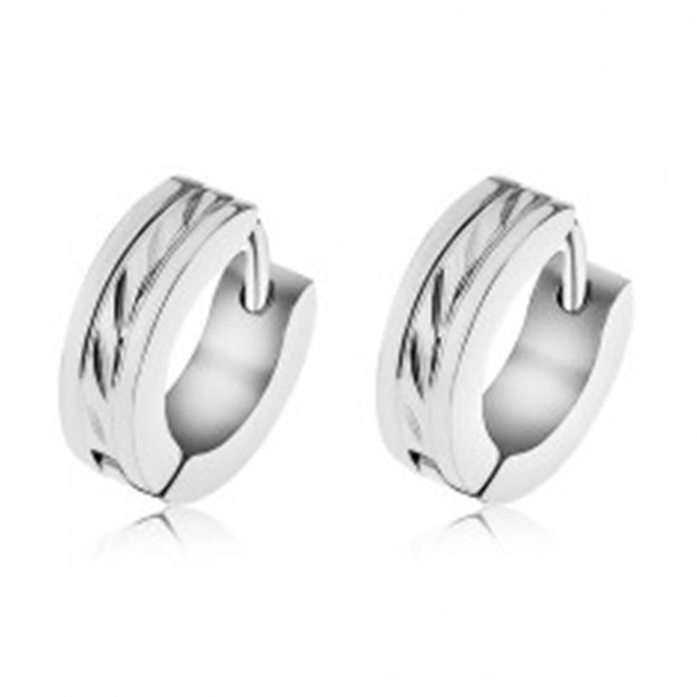 Šperky eshop Náušnice z chirurgickej ocele s ozdobnými šikmými ryhami