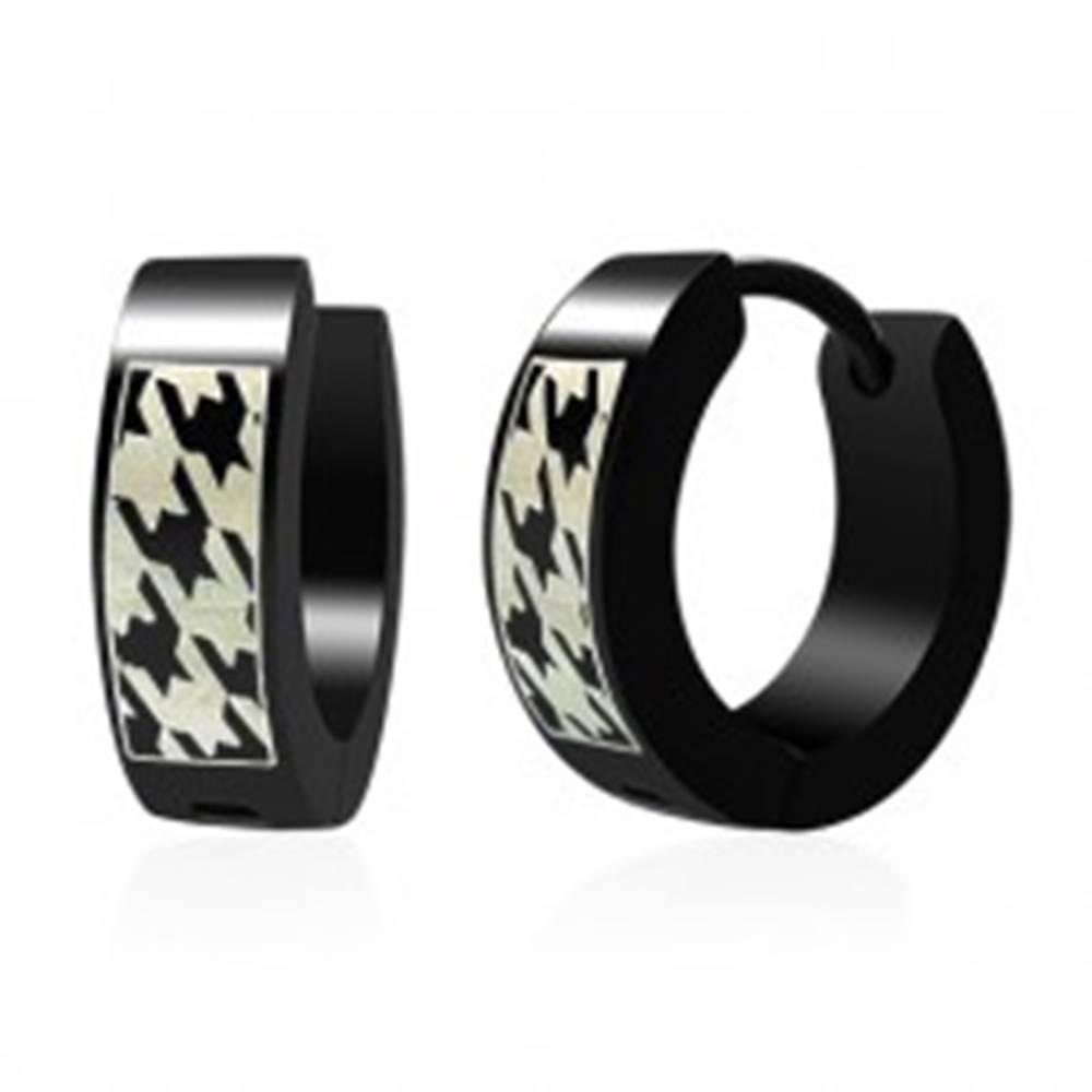 Šperky eshop Okrúhle oceľové náušnice, čierne, potlač so vzorom ostnatého drôtu