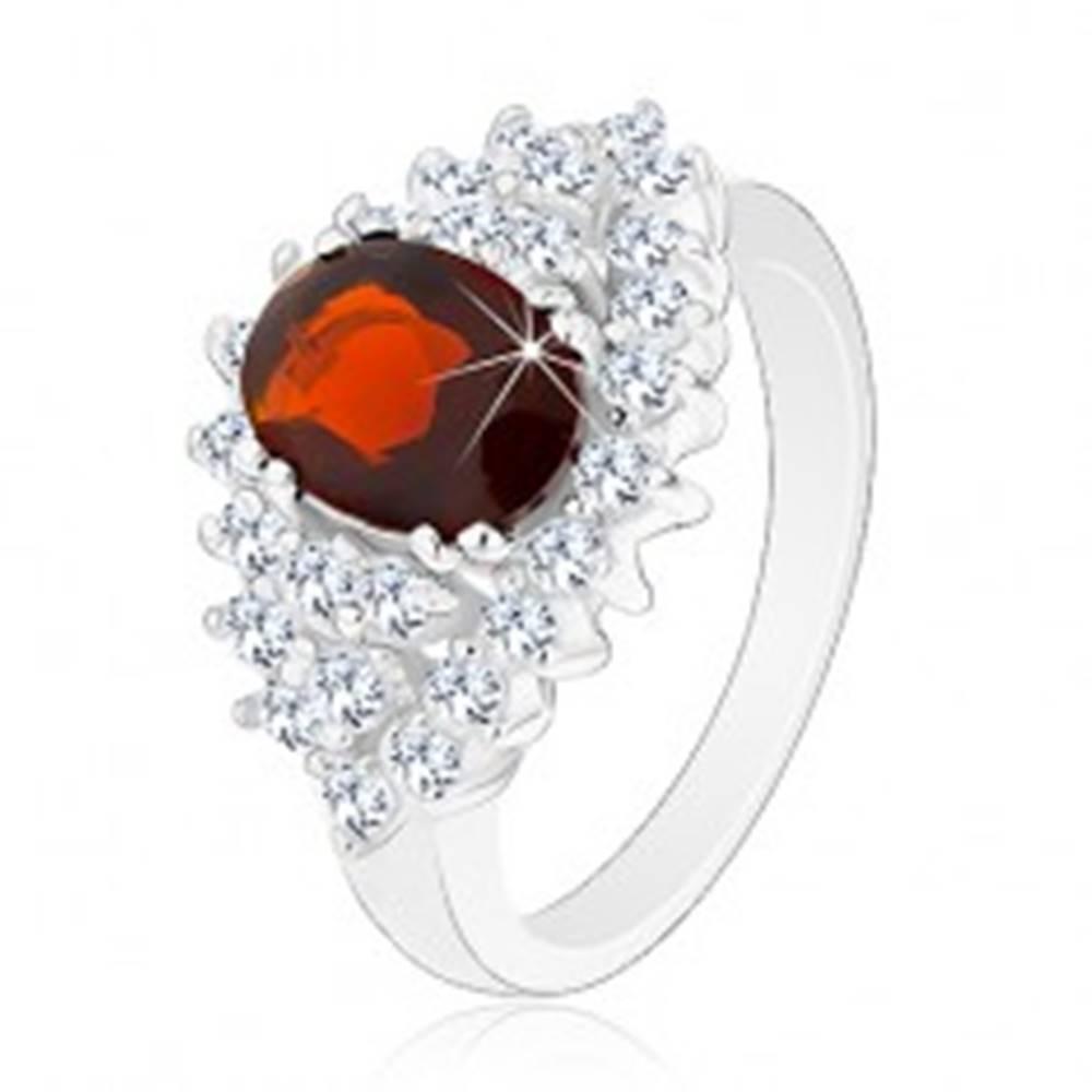 Šperky eshop Prsteň s hladkými ramenami, zirkónový ovál v tmavočervenej farbe, číry lem - Veľkosť: 49 mm