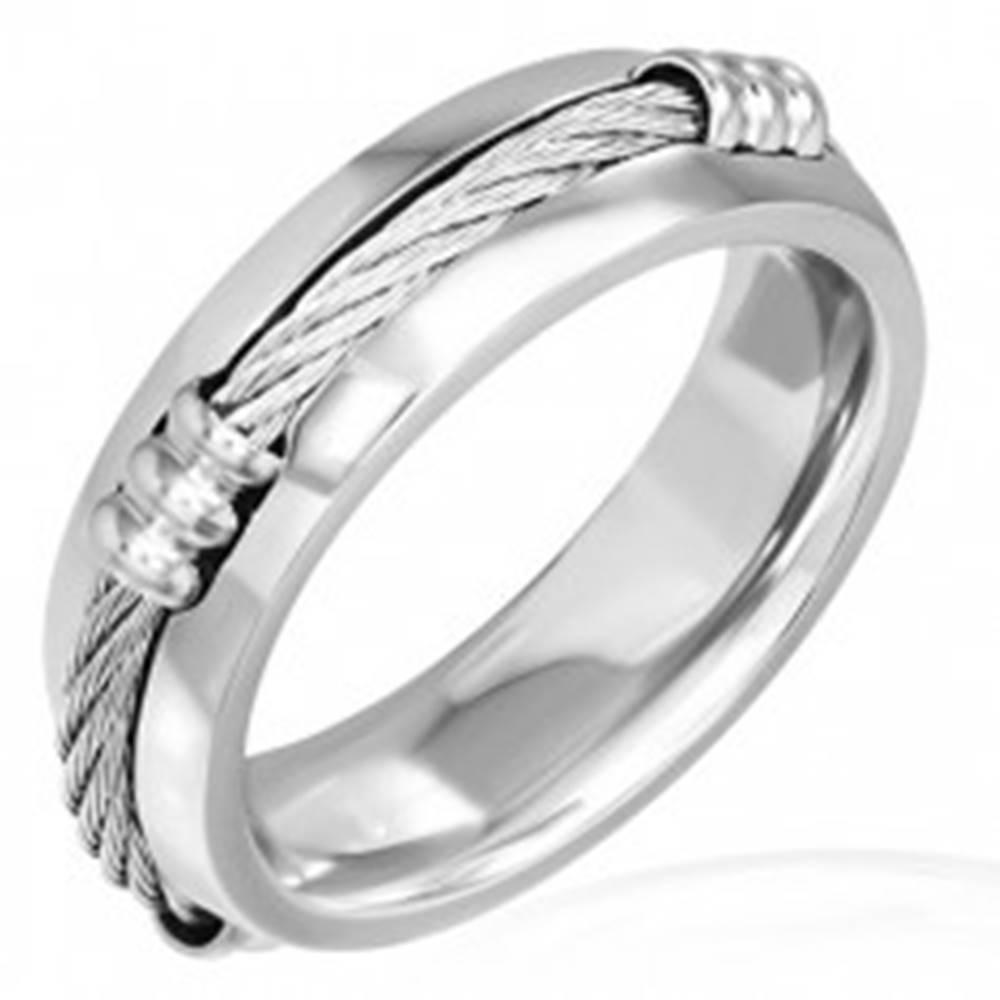 Šperky eshop Prsteň z ocele s keltským lanom a zníženými okrajmi - Veľkosť: 57 mm