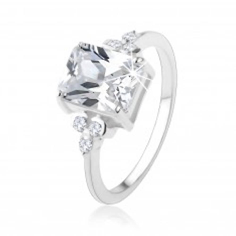 Šperky eshop Prsteň zo striebra 925, masívny obdĺžnikový zirkón čírej farby - Veľkosť: 48 mm