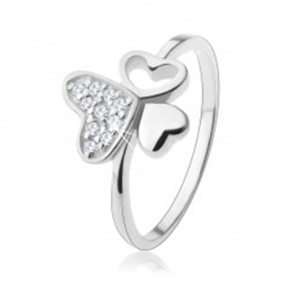 Šperky eshop Strieborný prsteň 925, tri rôzne srdiečka, zirkóny čírej farby - Veľkosť: 49 mm