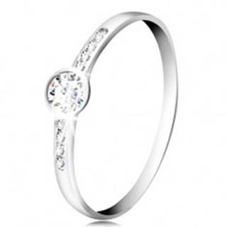 Prsteň z bieleho 14K zlata - okrúhly číry zirkón, tenké pásy zirkónov po stranách - Veľkosť: 51 mm