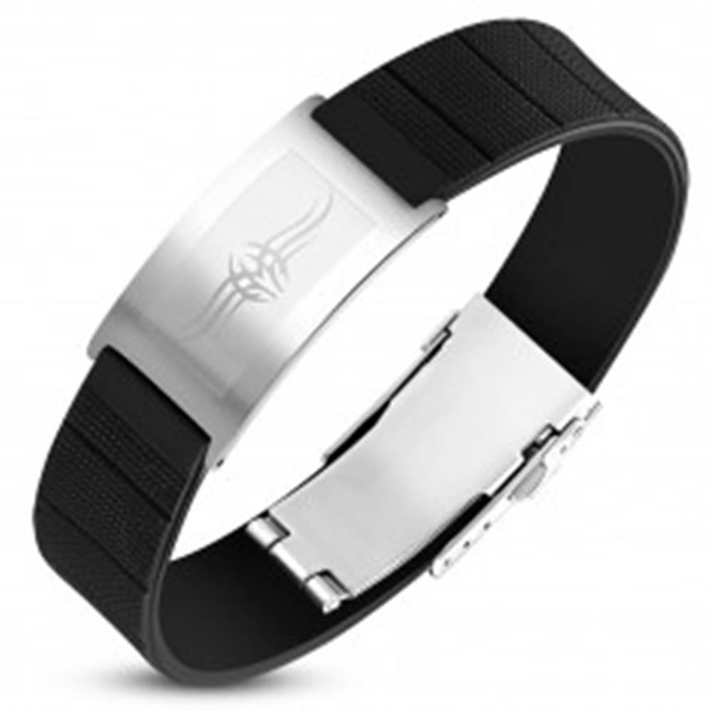 Šperky eshop Čierny gumený náramok s oceľovou známkou striebornej farby, Tribal symbol