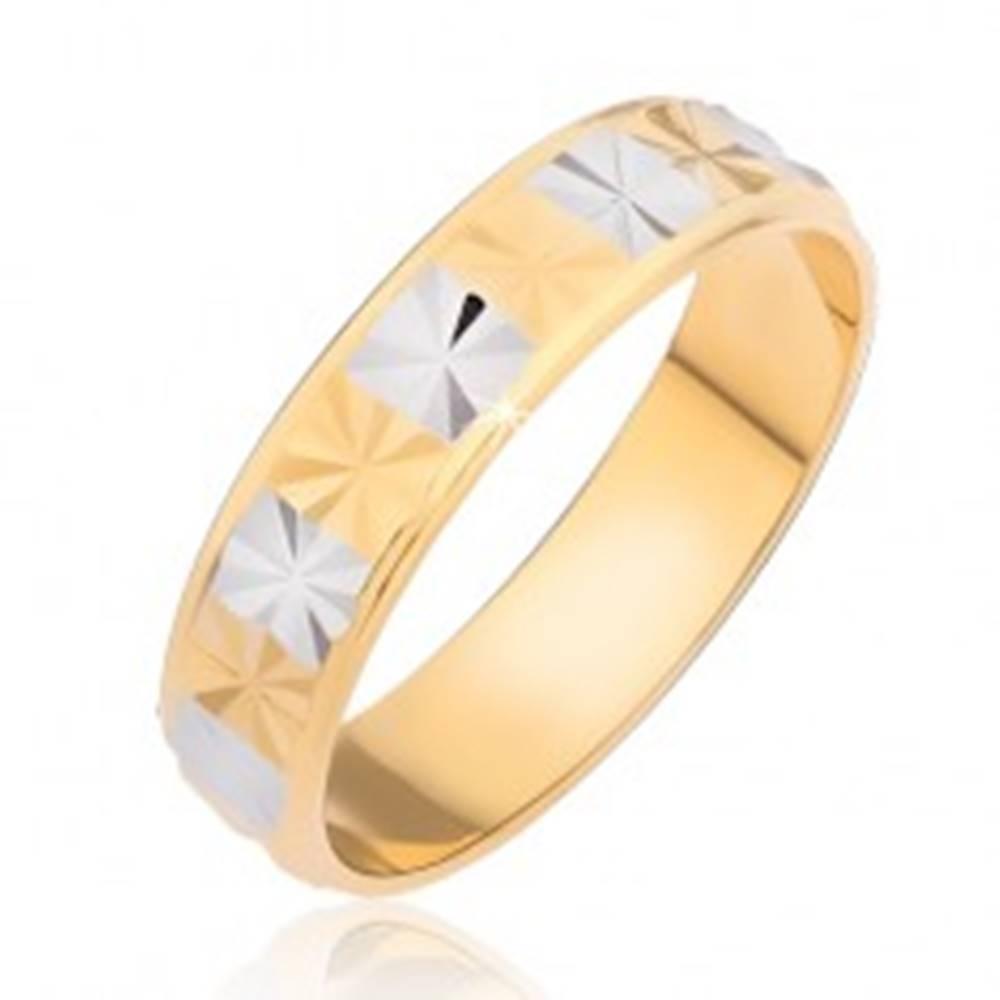 Šperky eshop Lesklý prsteň - obdĺžniky s diamantovým rezom - Veľkosť: 48 mm