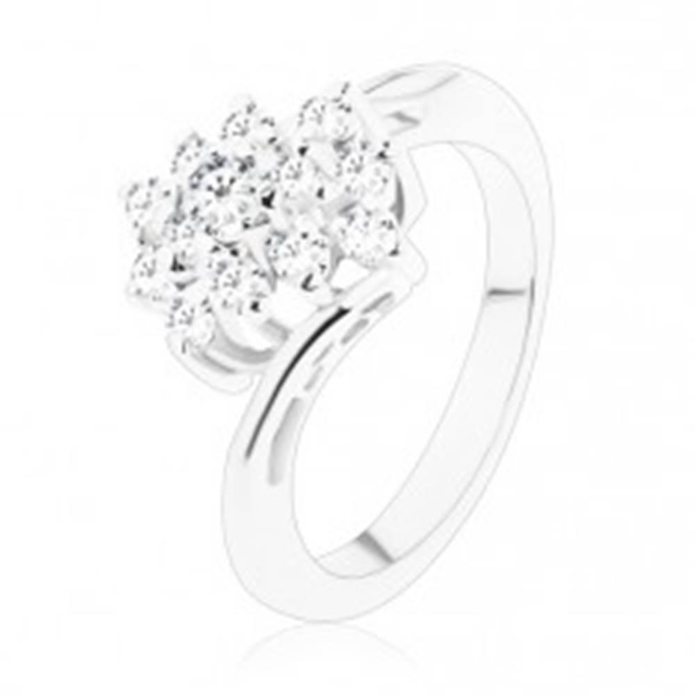 Šperky eshop Lesklý prsteň so zahnutými ramenami, zirkónový obdĺžnik v čírom odtieni - Veľkosť: 49 mm