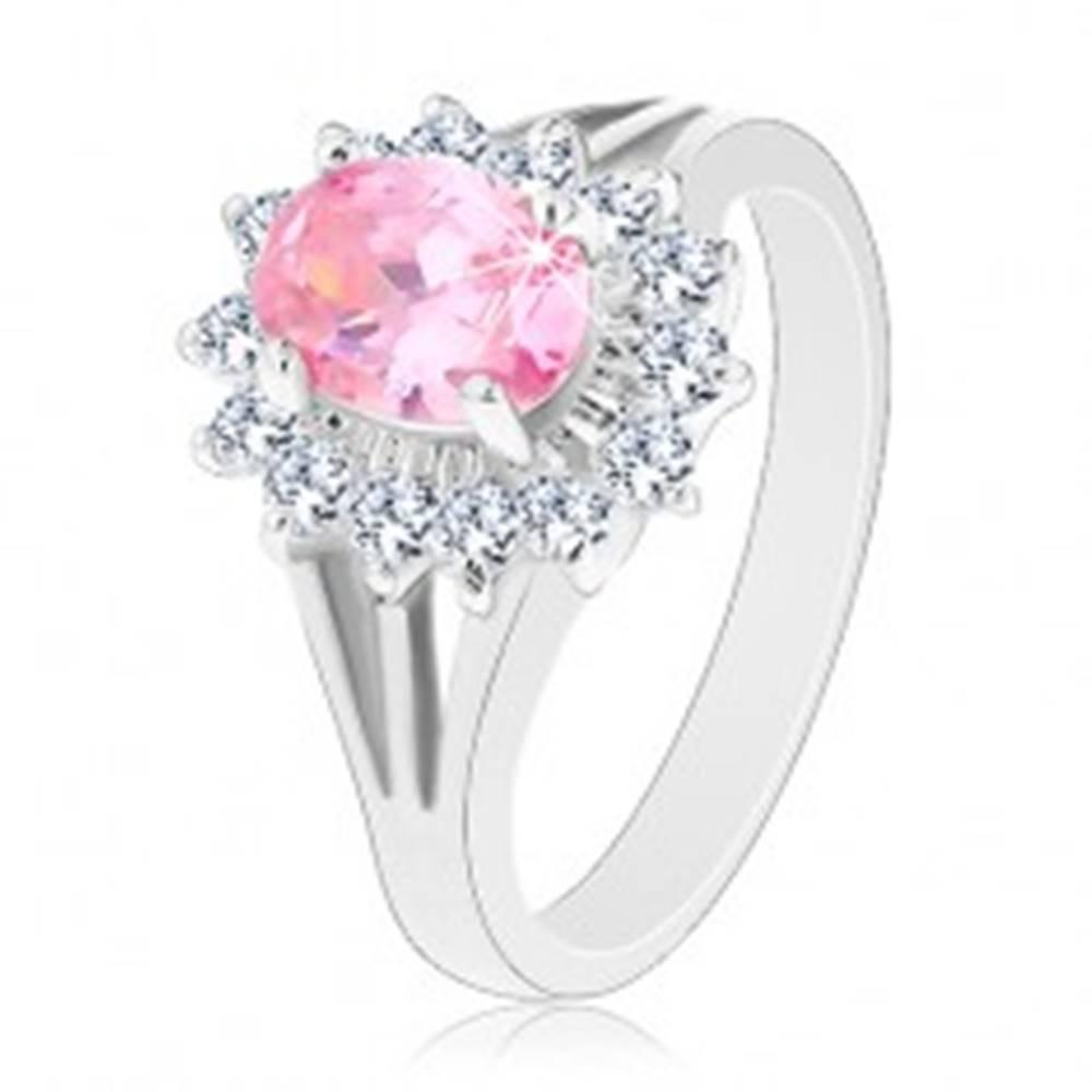 Šperky eshop Prsteň so zirkónovým kvetom v ružovej a čírej farbe, rozdelené ramená - Veľkosť: 50 mm