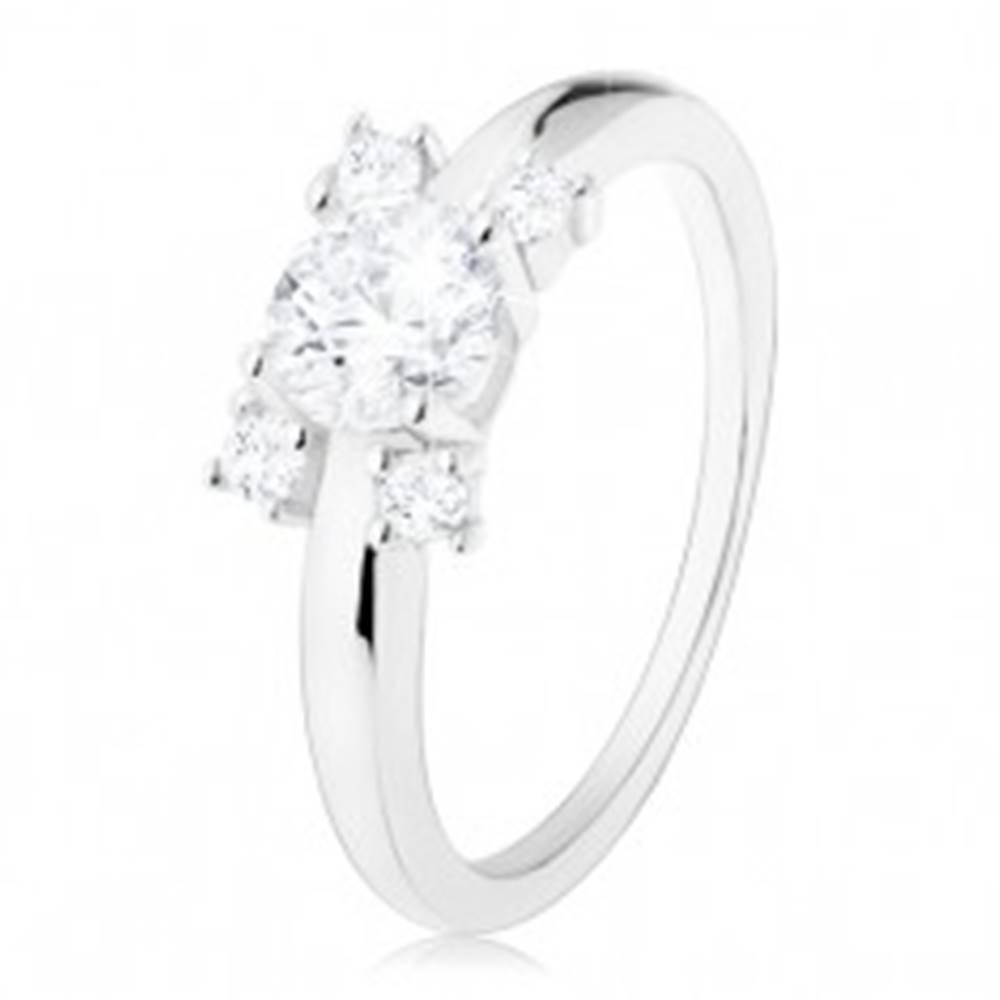 Šperky eshop Zásnubný prsteň - striebro 925, úzke ramená, okrúhle zirkóny v čírom odtieni - Veľkosť: 49 mm