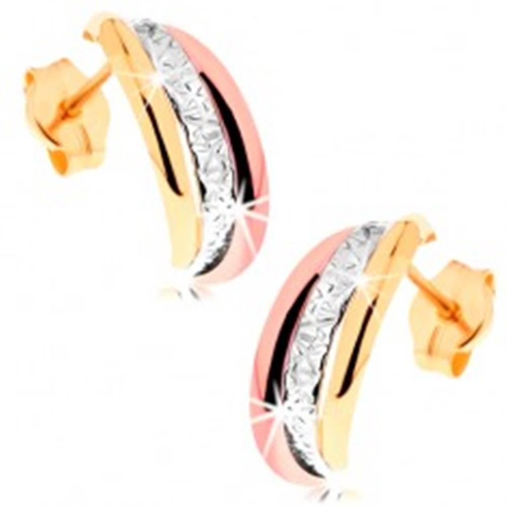 Šperky eshop Zlaté náušnice 585 - trojfarebné polkruhy, gravírovaný stredový pás