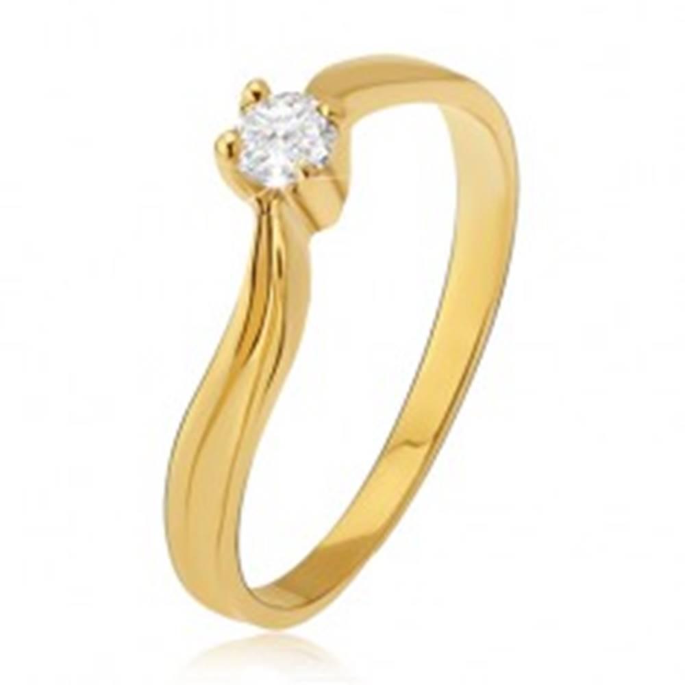 Šperky eshop Zlatý prsteň 585 - lesklé zvlnené ramená, priehlbina, číry kamienok - Veľkosť: 49 mm