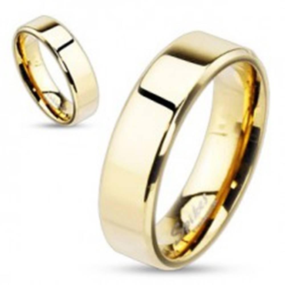 Šperky eshop Oceľová obrúčka zlatej farby, jemnejšie skosené hrany, 6 mm - Veľkosť: 49 mm