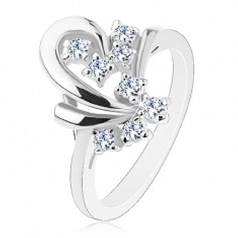 Šperky eshop Prsteň s lesklým povrchom, obrys polovice srdiečka, transparentné zirkóniky - Veľkosť: 48 mm