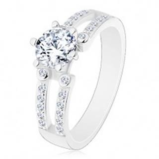 Zásnubný prsteň, striebro 925, výrezy na trblietavých ramenách, číry zirkón - Veľkosť: 49 mm