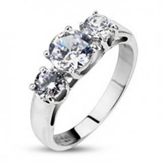 Zásnubný prsteň - tri vsadené číre zirkóny - Veľkosť: 48 mm