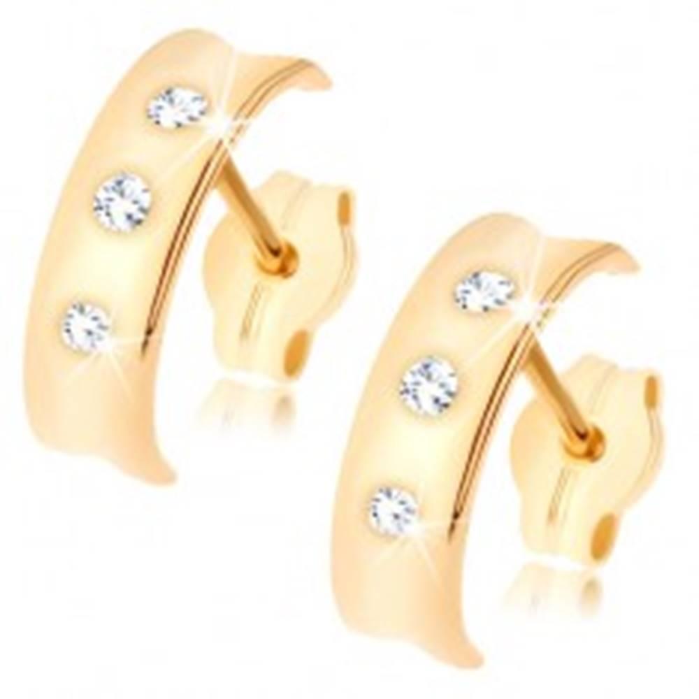 Šperky eshop Náušnice zo žltého 9K zlata - lesklý polkruh s vyhĺbeným stredom, tri číre zirkóny