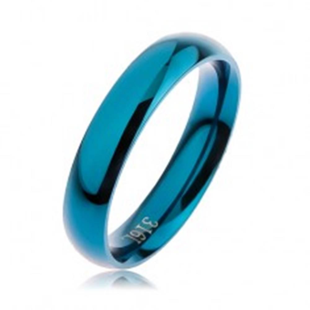 Šperky eshop Prsteň z ocele 316L modrej farby, hladký zaoblený povrch bez vzoru, 4 mm - Veľkosť: 49 mm