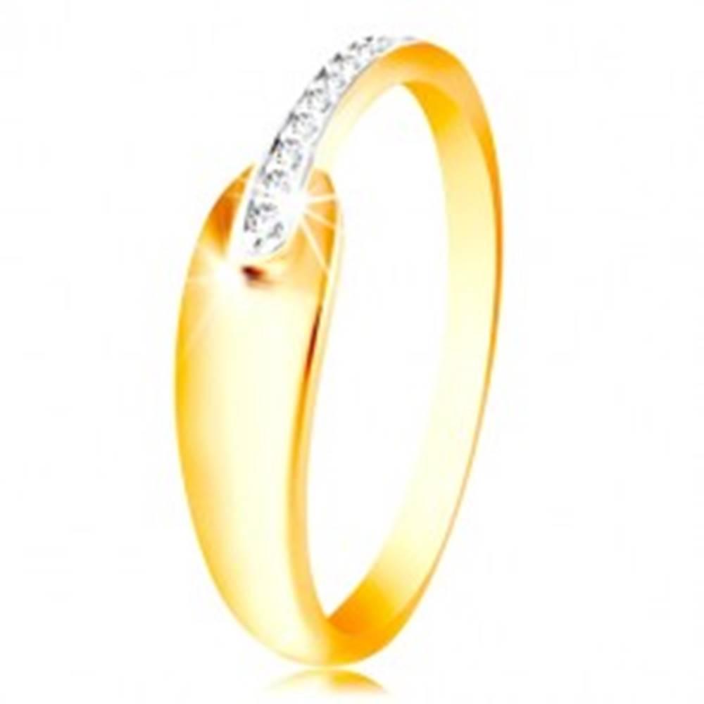 Šperky eshop Prsteň zo zlata 585 - lesklá oblá slza a trblietavý pás z čírych zirkónikov - Veľkosť: 48 mm