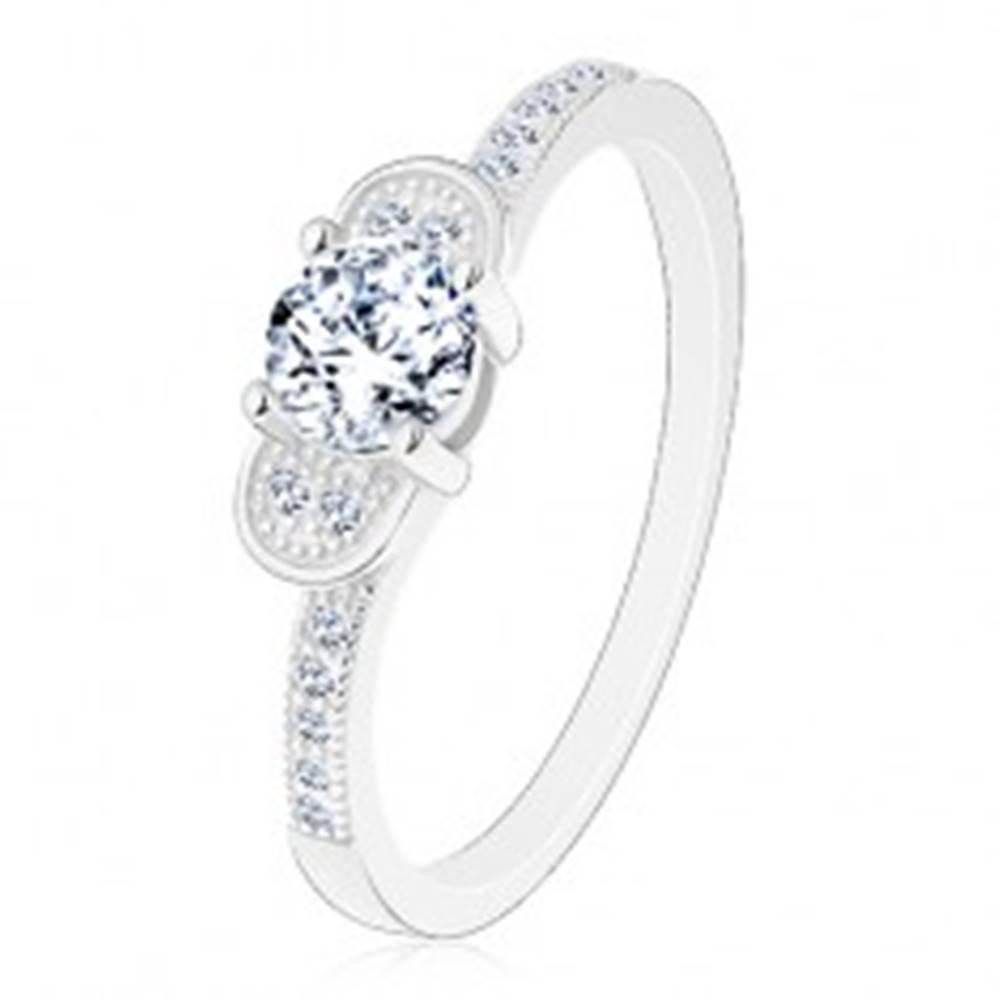 Šperky eshop Zásnubný prsteň, striebro 925 - trblietavá mašlička z čírych zirkónov - Veľkosť: 48 mm