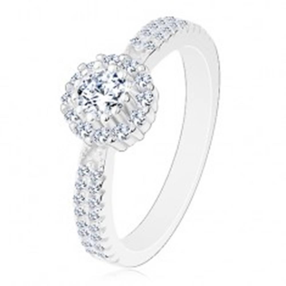 Šperky eshop Zásnubný prsteň zo striebra 925, číry okrúhly zirkón s čírym lemom - Veľkosť: 48 mm