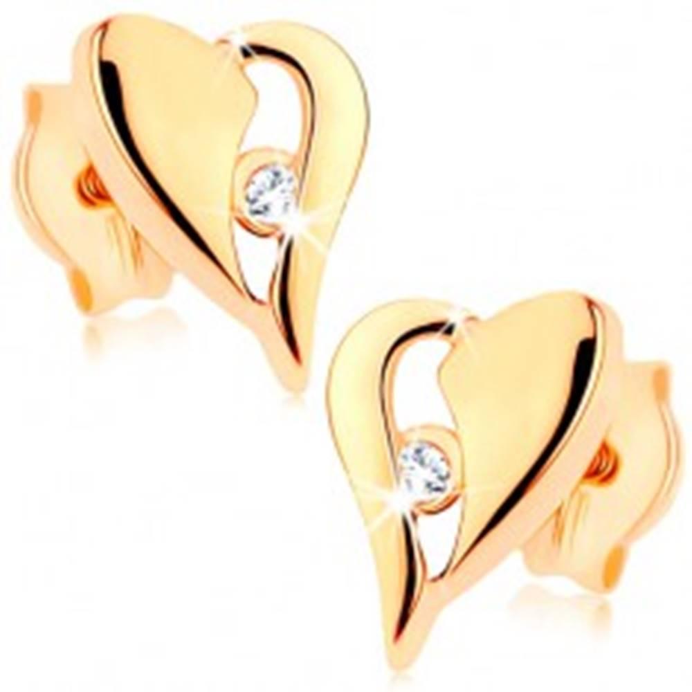 Šperky eshop Zlaté náušnice 375 - nesúmerné srdce s výrezom a drobným zirkónikom